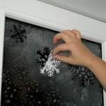 Как украсить окна к Новому 2014 году Лошади?